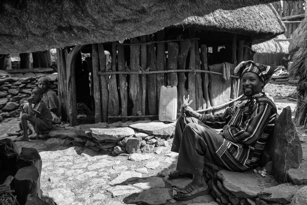 0123-2536-10.08.15-etiopia-konso-residenza-del-re-dei-konso