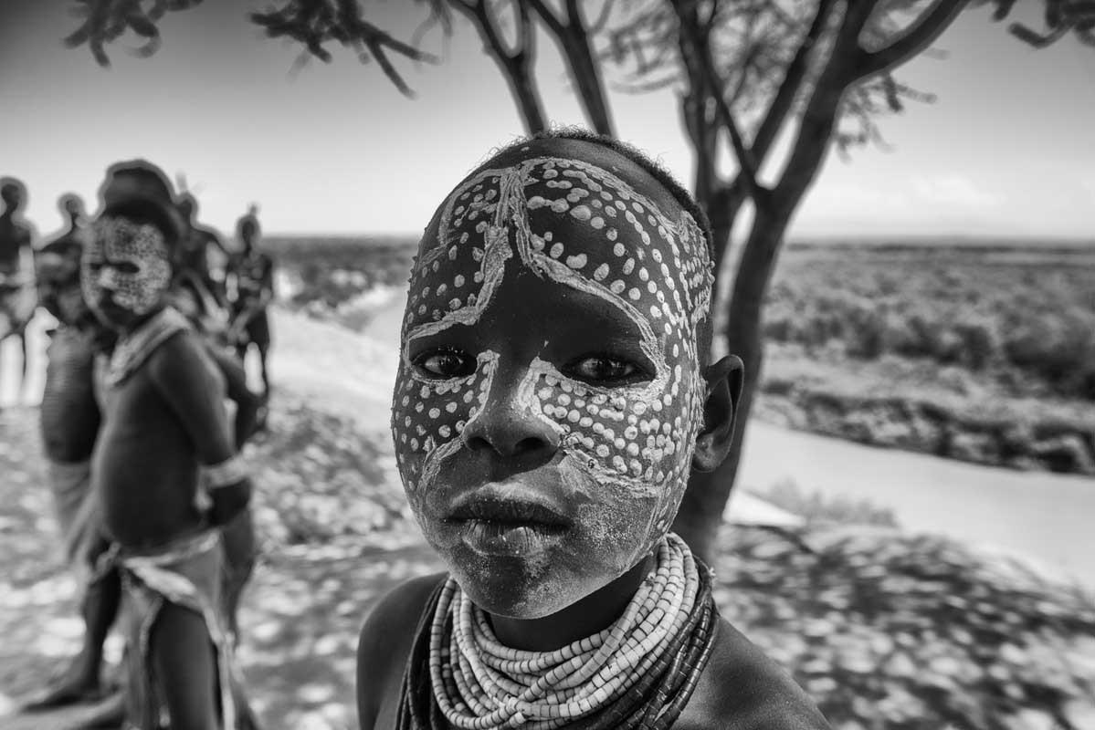 0172-2693-11.08.15-etiopia-valle-dellomo-ansa-dellomo-villaggio-karo