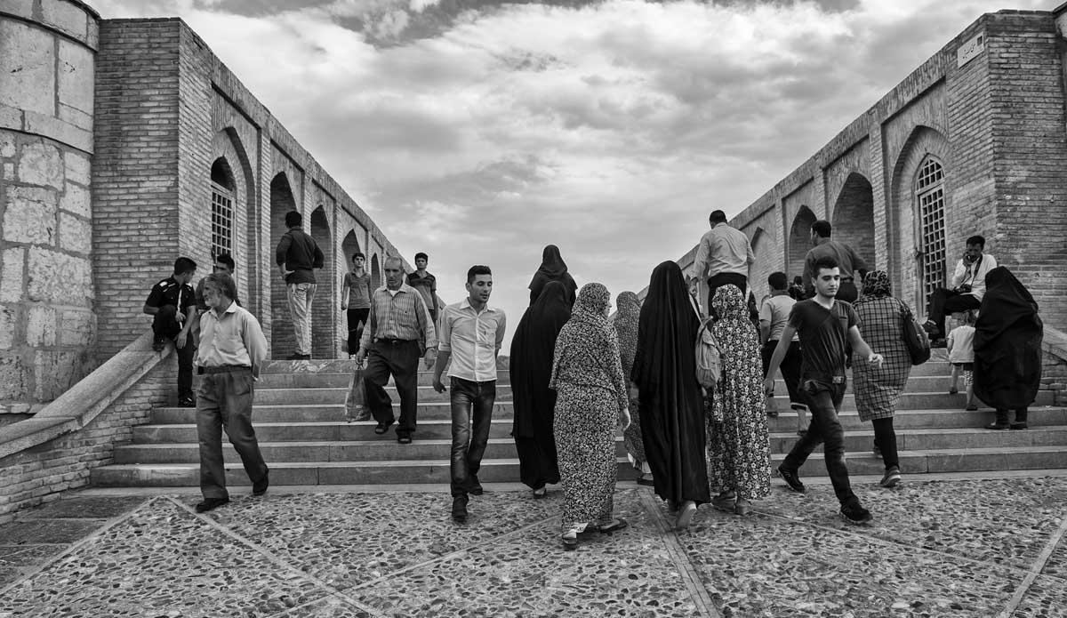 548-1391. 15.08.14 persia esfahan fiume zayandeh e ponte sio-seh pol