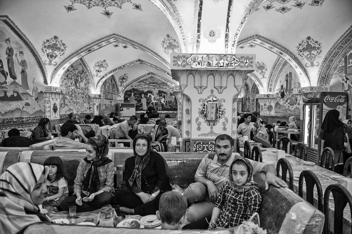 623-1799. 16.08.14 persia esfahan bazar-e bozorg restaurant bastani