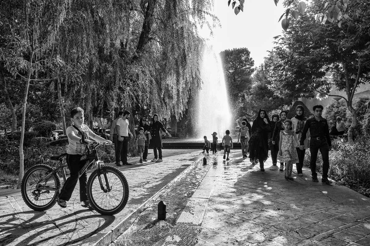 643-1927. 16.08.14 persia esfahan parco vic. kakh-e ali qapu