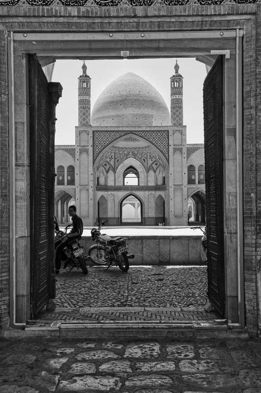 674-2107. 17.08.14 persia masjed-e agha bozorg (madrasa e moschea)