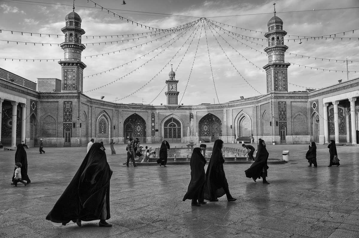 725-2334. 17.08.14 persia qom hazrat-e masumeh santuario con tomba di fatemeh