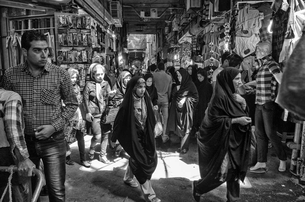 819-2524. 18.08.14 persia teheran bazaar